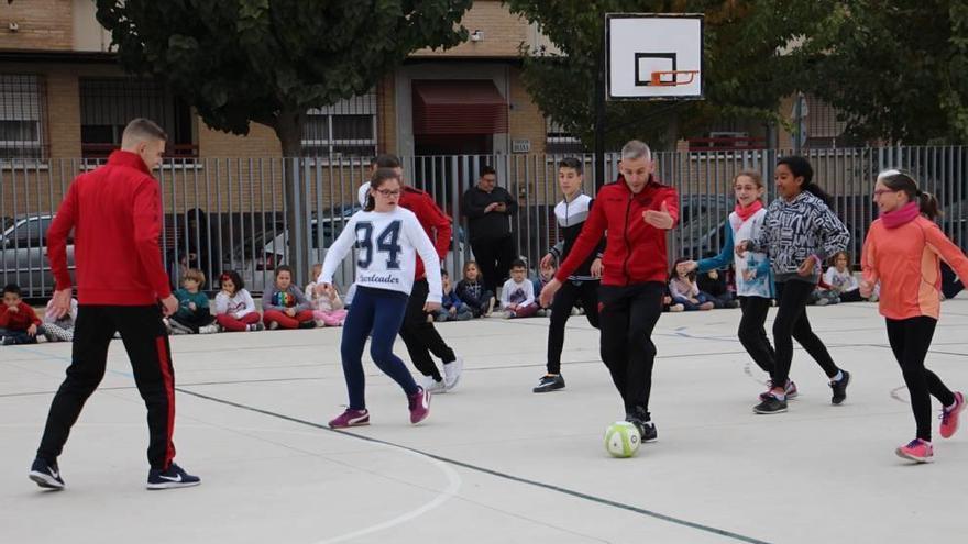 España recluta a Miguelín, Álex y Andresito