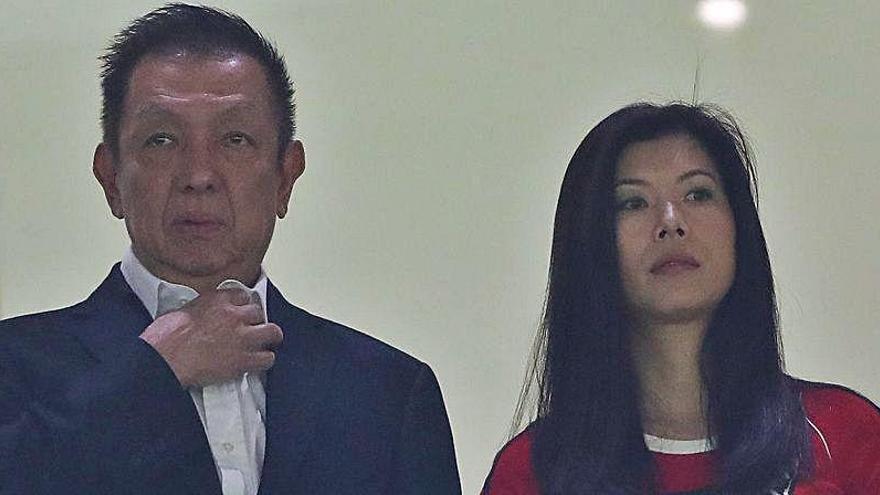 Peter Lim quiere arrasar con media plantilla