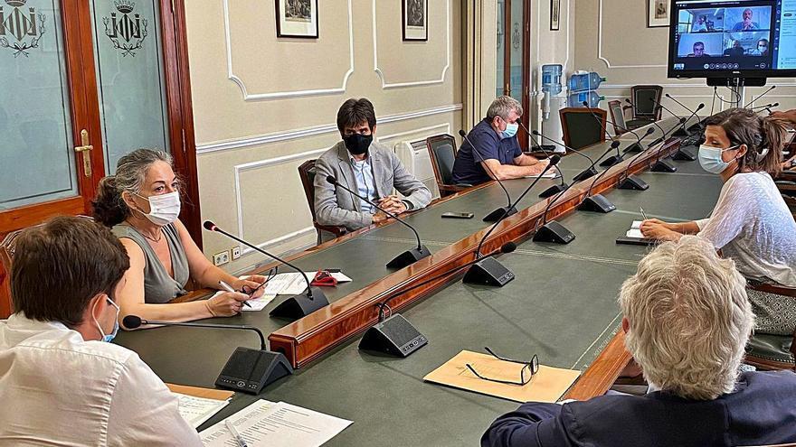 Puesta de largo institucional para  la celebración de los Goya en València