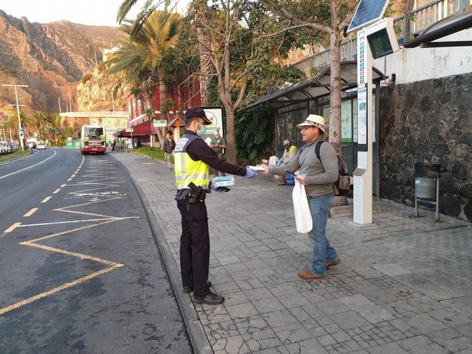 Reparto de mascarillas en Canarias
