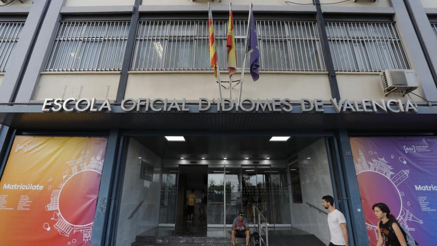 Cae la web para poder matricularse en las pruebas de la Escuela Oficial de Idiomas