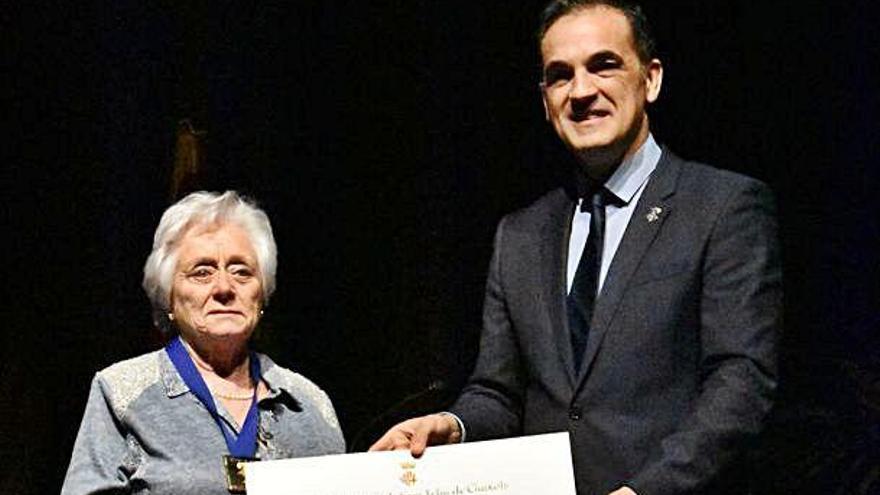 Atorguen la Medalla d'Or ganxona a Roser Descayre i a Ricard Pelló