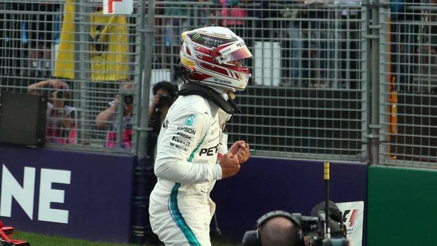 Hamilton marca la 'pole' y Alonso no alcanza la Q3