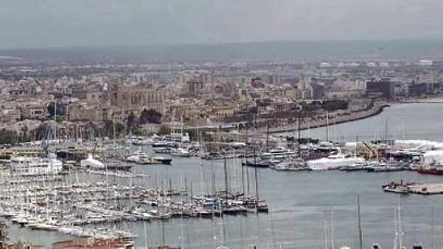 Hafenbehörde verlegt zu laute Fähre in Palma