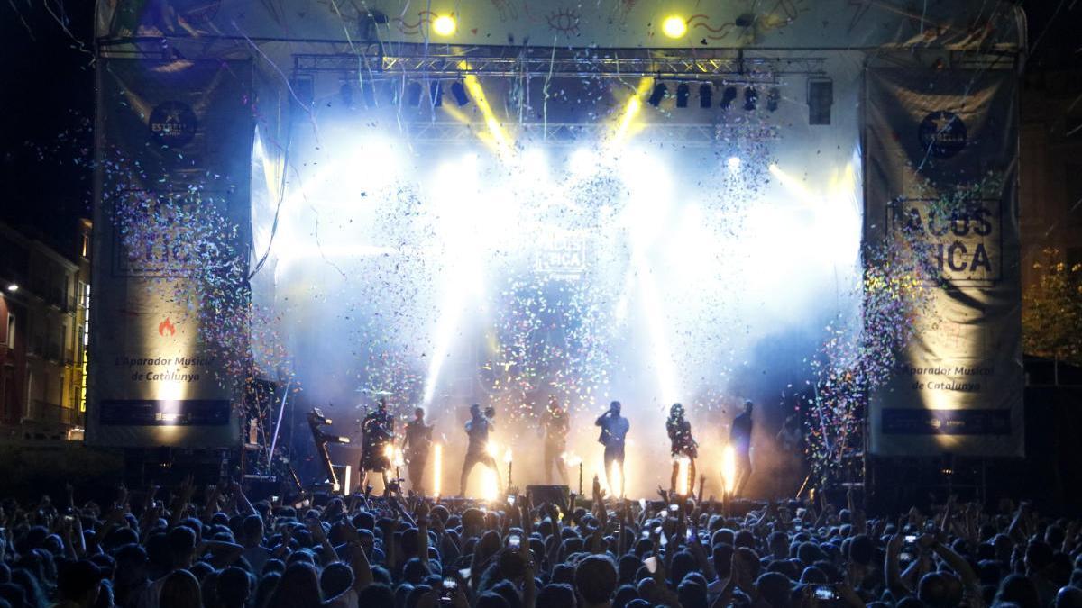 El festival Acústica de Figueres tanca l'estiu musical al país.