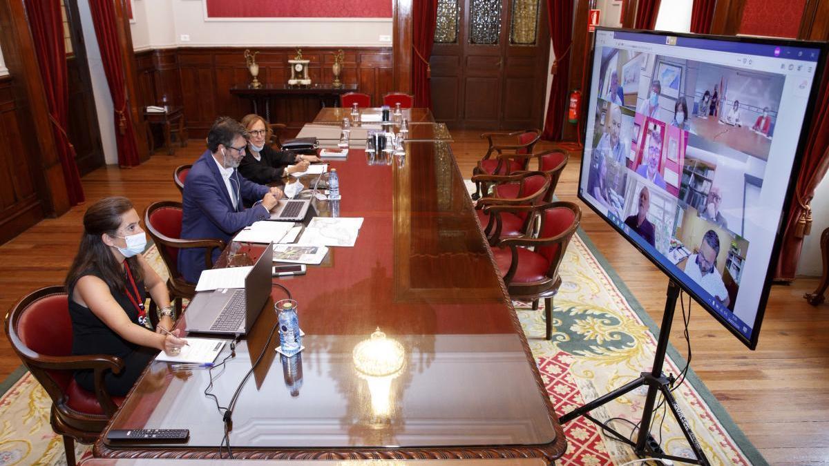 Reunión telemática sobre el dragado de la ría entre los concellos de A Coruña y Culleredo, con Xunta de Galicia y el Ministerio para la Transición Ecológica.