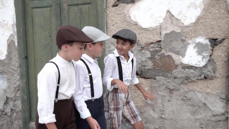 400 vecinos recrean los años cuarenta y cincuenta en 'Arona en Tradiciones'
