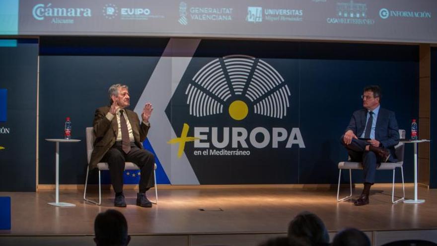 """Barón: """"La recesión por el covid, tras una primera gestión desastrosa, ha servido para fortalecer la Unión Europea"""""""