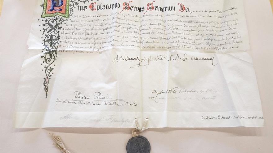 El Archivo de la Catedral adquiere una edición de 1737 de la primera biografía de la beata Inés de Benigànim