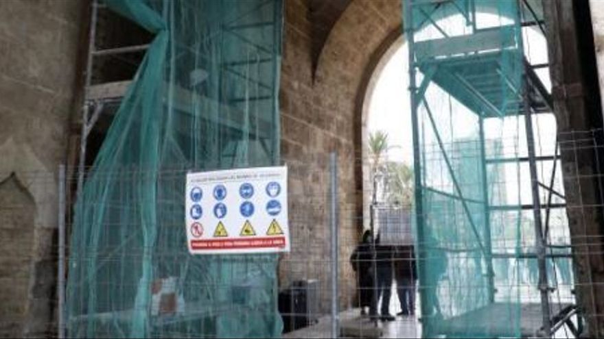 Restauran la puerta de la Torre de Serranos