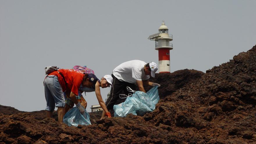 El Cabildo promueve el voluntariado ambiental en la Isla Baja