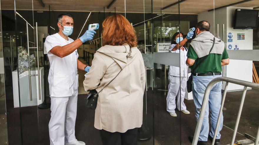 Los afectados por el error de las vacunas reclaman al SES