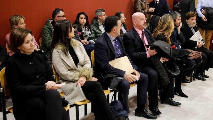 Moriyón dice que firmó sin leerlo el contrato que la hacía socia de un fallido centro médico