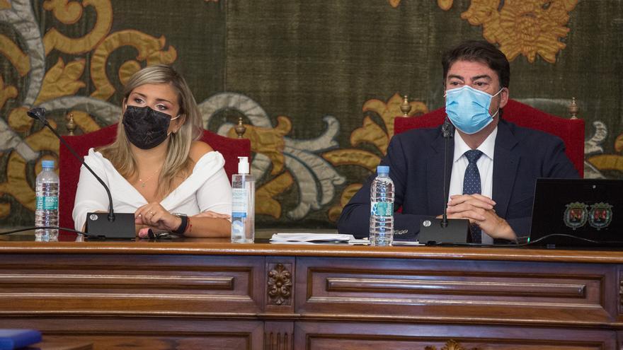 El bipartito de Alicante pide la suspensión temporal de la subida de cuotas a autónomos