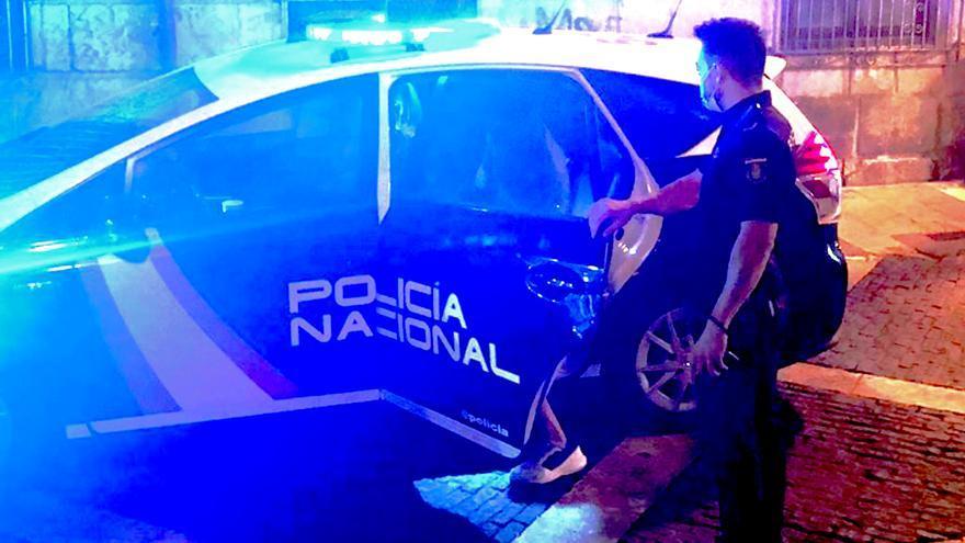 La Policía Nacional ha detenido a dos personas que se dedicaban a la sustracción de teléfonos móviles en Alicante
