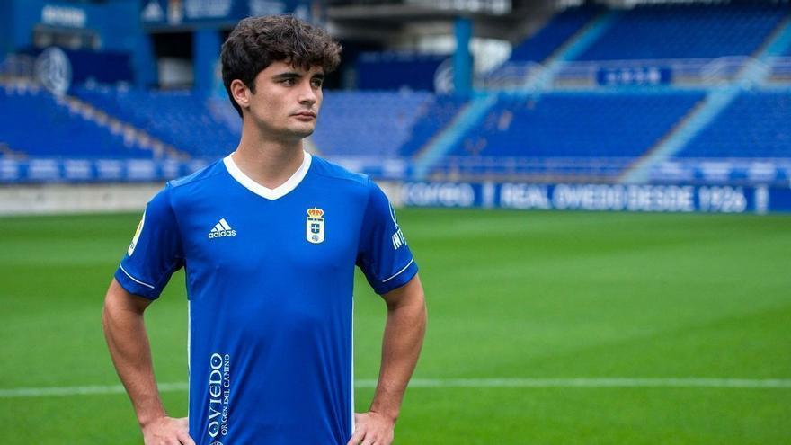 VÍDEO: Así es la nueva camiseta del Real Oviedo