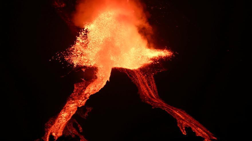Las coladas reducen su velocidad tras un mes de erupción