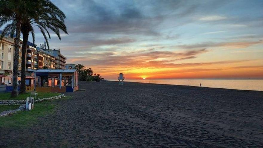 Rincón abrirá el 1 de noviembre el plazo para solicitar instalaciones desmontables en la playa
