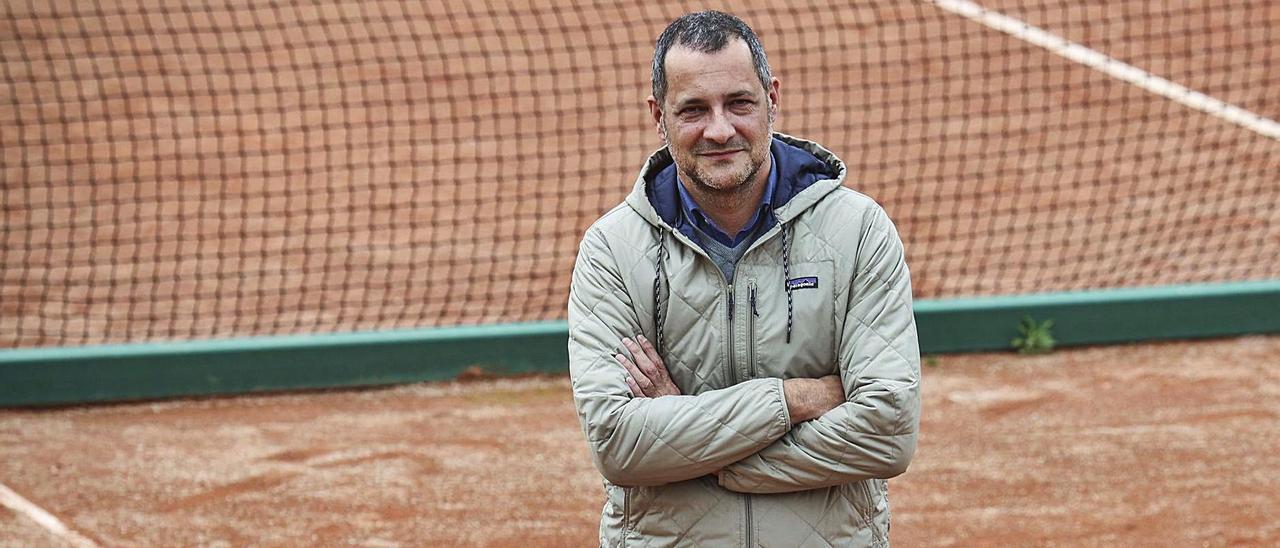 Fernando Castaño, en las pistas de tenis del Parque del Oeste de Oviedo.  