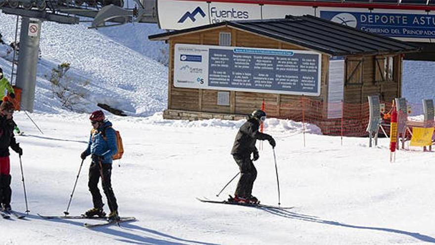 Más de 20.150 esquiadores en las pistas asturianas en Navidad
