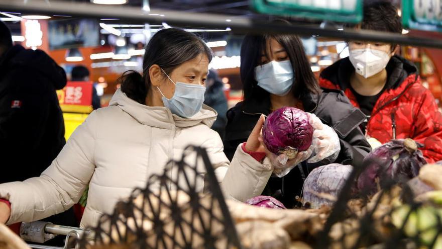 China halla restos del virus en embalajes de congelados de Uruguay y Brasil