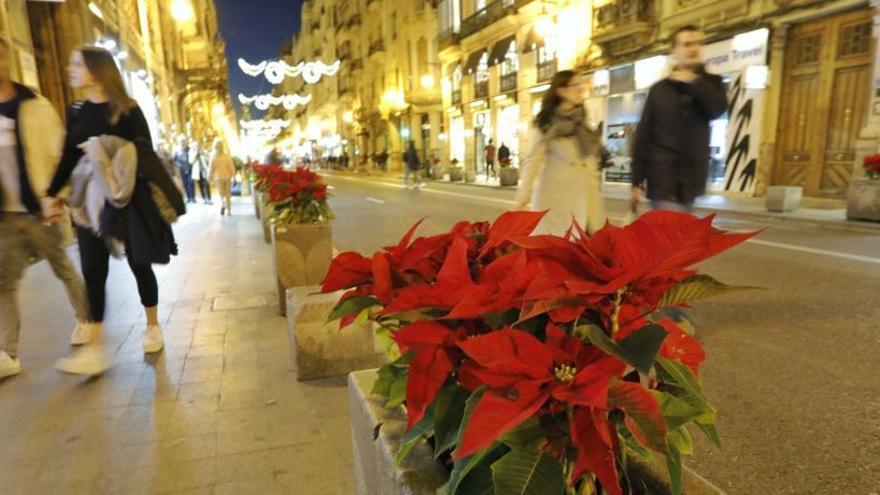 La ciudad se tiñe de rojo Navidad