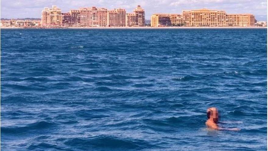 Detenido tras ir desnudo por el paseo de Alboraia y entrar en el mar