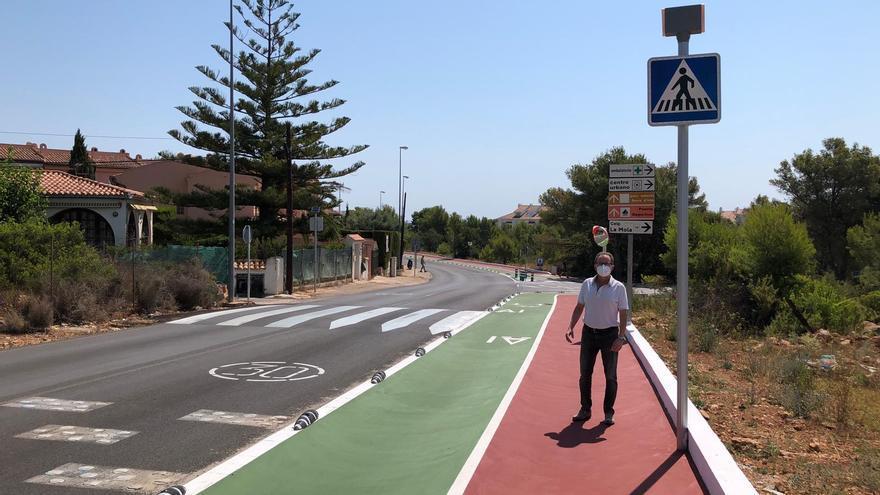 Alcalà-Alcossebre estrena un carril bici y peatonal tras la adecuación del firme de Las Fuentes