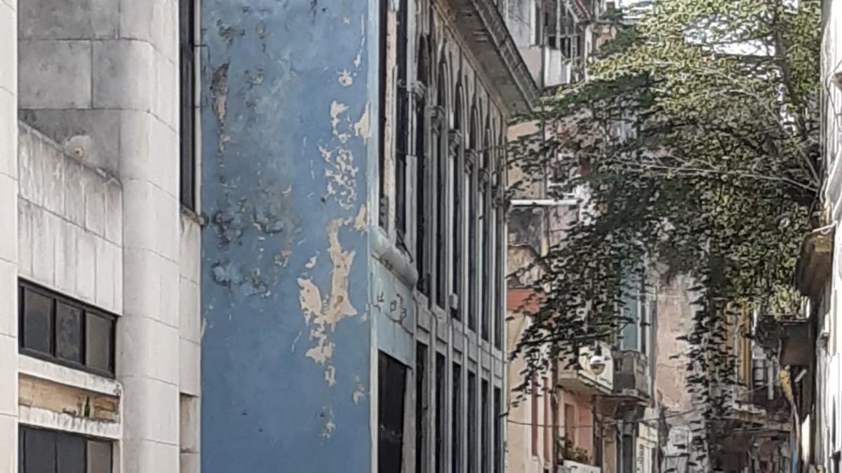 Cues per comprar aigua i aliments a l'Havana  