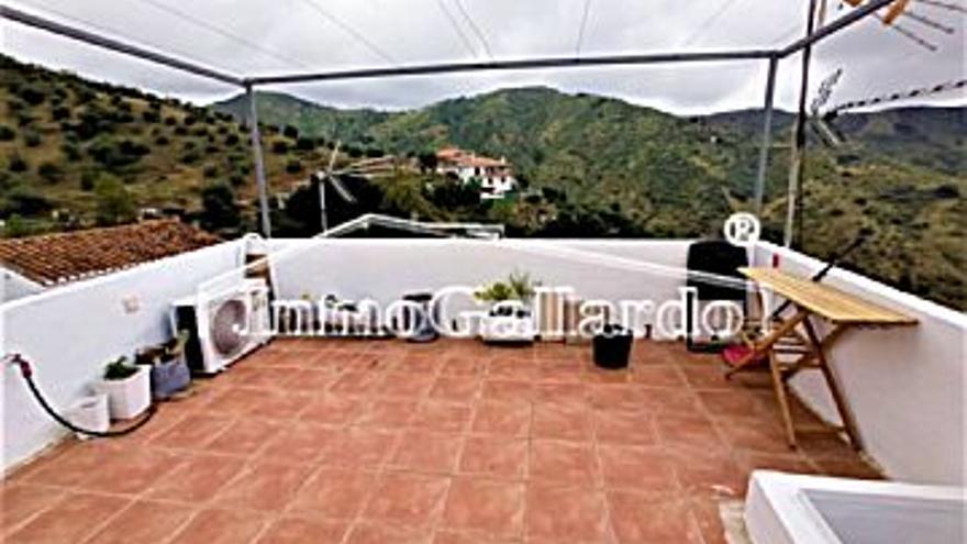 61.000 € Venta de casa en Totalán, 1 habitación, 1 baño...