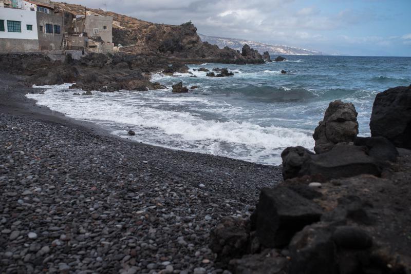 Cierre al baño de las playas de La Viuda y la Basílica por contaminación