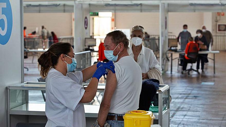Récord de vacunas administradas en un día en el Recinto Ferial