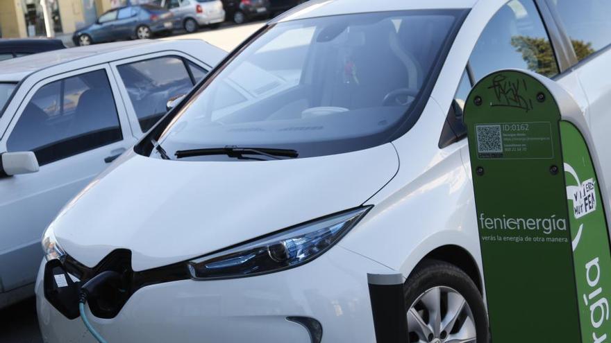 Un coche eléctrico en una imagen de archivo.