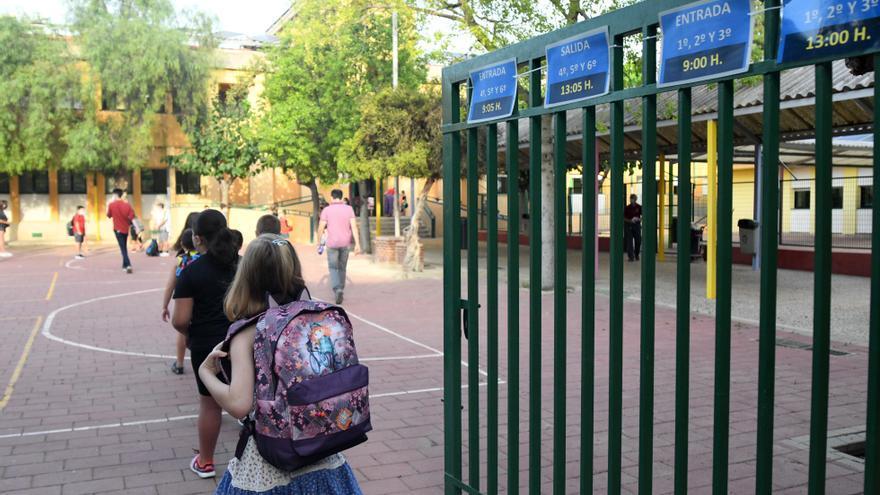 Los compañeros de los alumnos contagiados no guardarán cuarentena