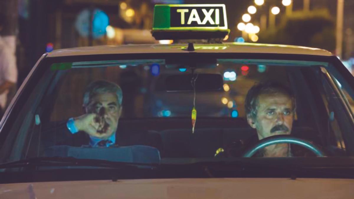 """Carlos Blanco (izq) y Antonio Durán """"Morris"""" (dcha), en un fotograma de la película """" Dhogs """"."""
