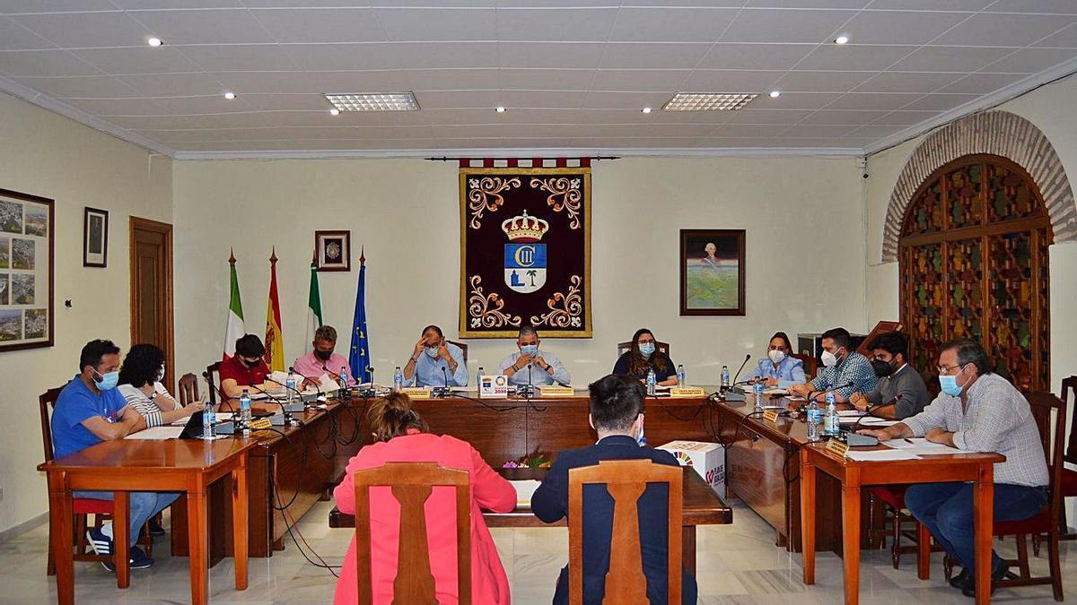 Imagen de la última sesión plenaria del Ayuntamiento de Fuente Palmera.