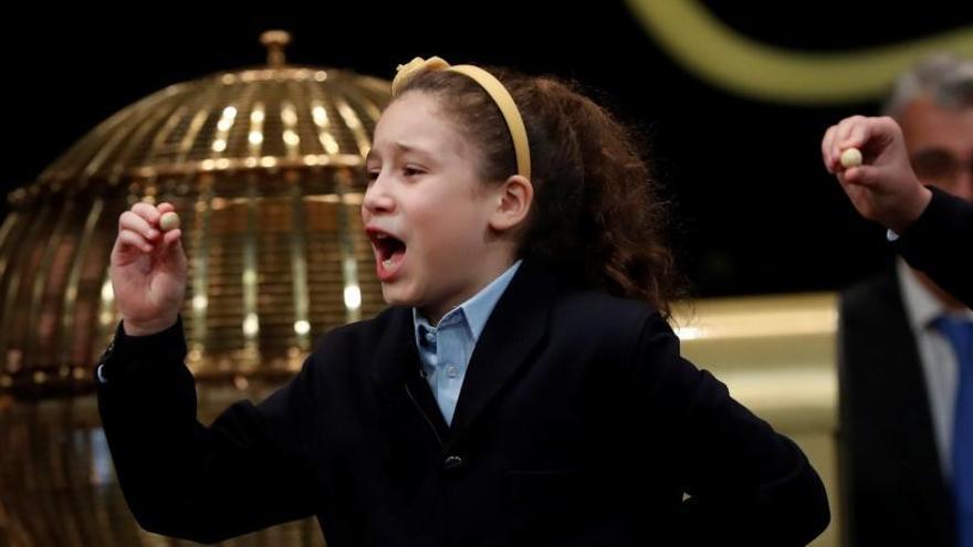 Aya canta el Gordo un año después de ser protagonista