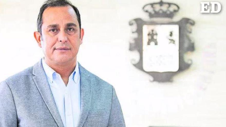 Blas Acosta presenta su dimisión como presidente del Cabildo de Fuerteventura