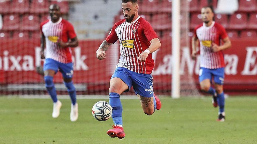 El Sporting busca fuerza para el ataque