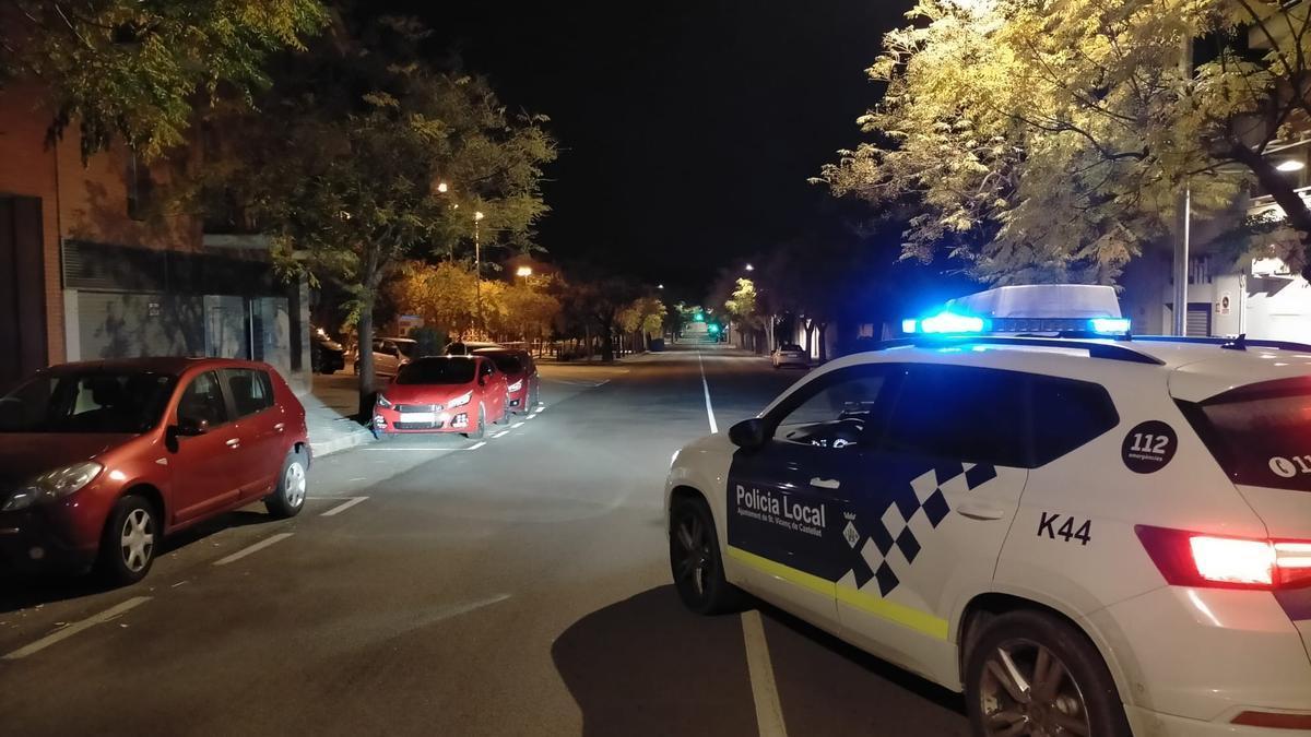 Un cotxe patrula de la Policia Local de Sant Vicenç de Castellet