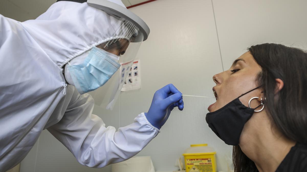 Pruebas de PCR en la ciudad de Elche