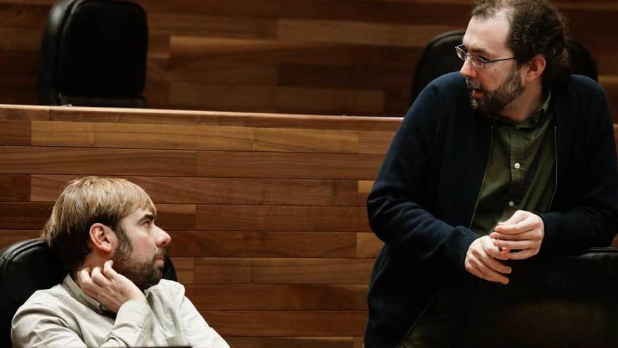 La dimisión de Emilio León como portavoz saca a la luz las tensiones en Podemos