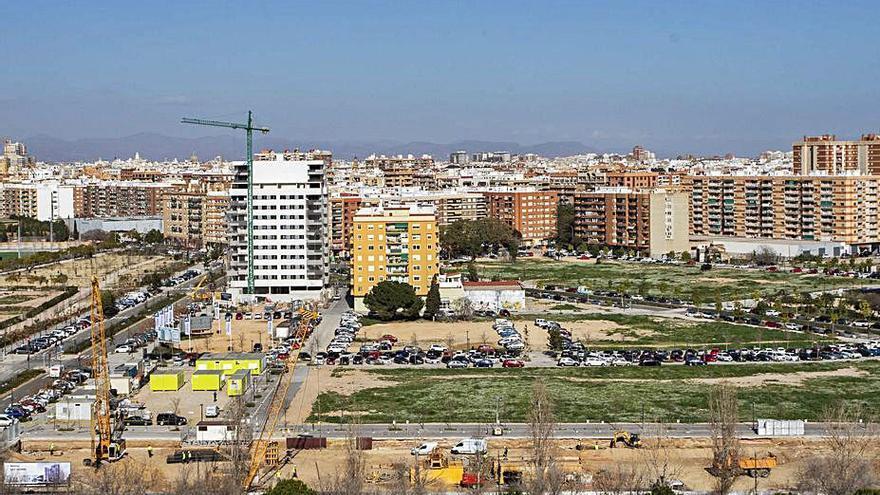 Quatre Carreres pide un mercado y una piscina para el barrio de Malilla
