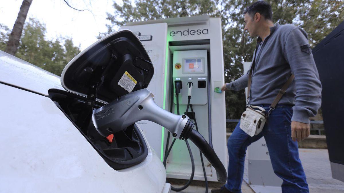 Dos empresas españolas, en una alianza paneuropea para la batería del coche eléctrico