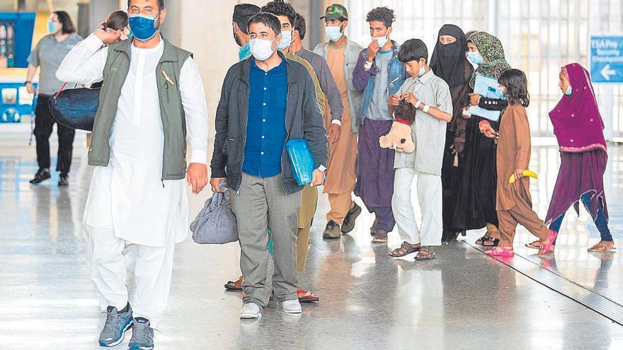 """Los 32 refugiados afganos asignados a Balears son objeto de """"un acompañamiento específico"""" en la península"""