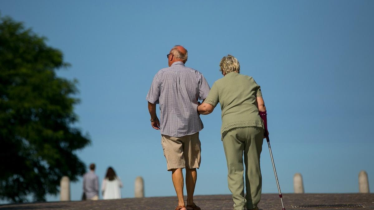Imagen de una pareja de pensionistas.