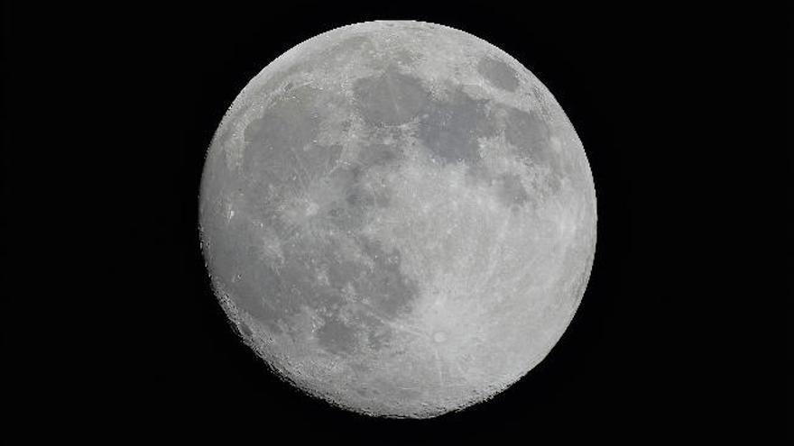 Museos de Tenerife muestra la Superluna y varios satélites