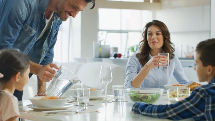 Filtros de agua para beber en casa que te hacen la vida más fácil