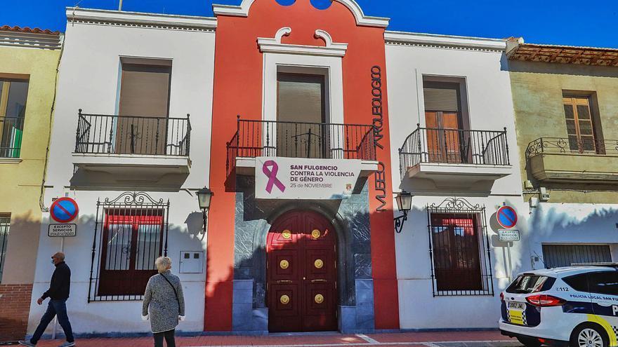 Museo de San Fulgencio: 14 años cerrado y abandonado, con piezas desaparecidas y usado de almacén