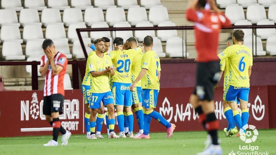 La UD Las Palmas ayuda a sepultar al Logroñés (0-1)